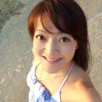 鈴木あやの(ドルフィンスイマー)東大卒で水泳好きの写真家!離婚や夫,息子にイルカ画像など【1分間の深イイ話】