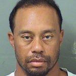 タイガーウッズ逮捕!別人の表情、薬物?飲酒運転?